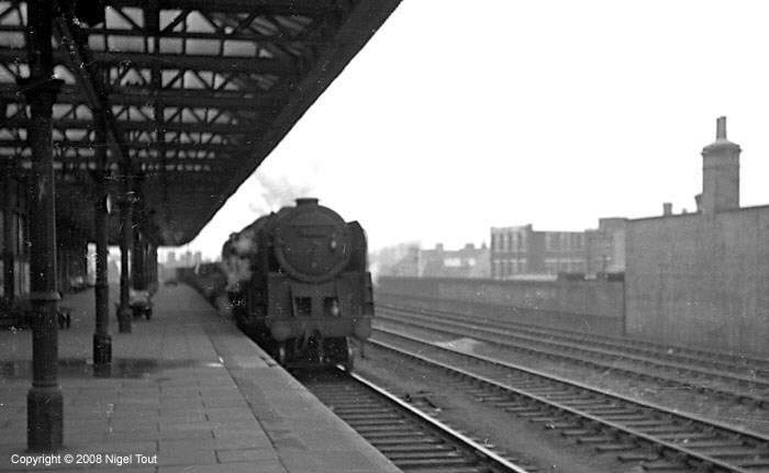 9F on freight train, Leicester Central