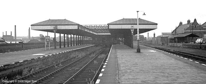 Leicester Central station, platforms