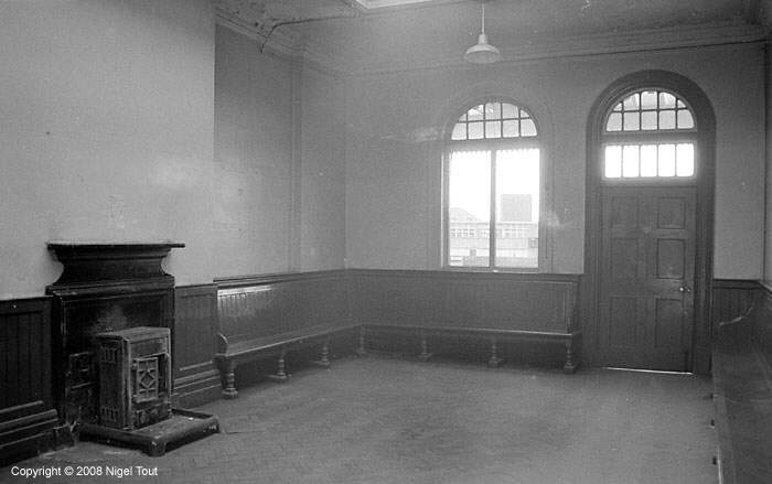 Leicester Central station waiting room, GCR