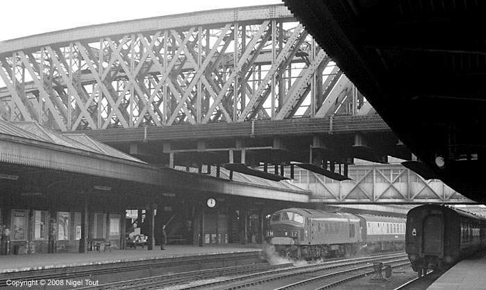 """Peak"" diesel locomotive under the GCR bridge over Nottingham Midland station"