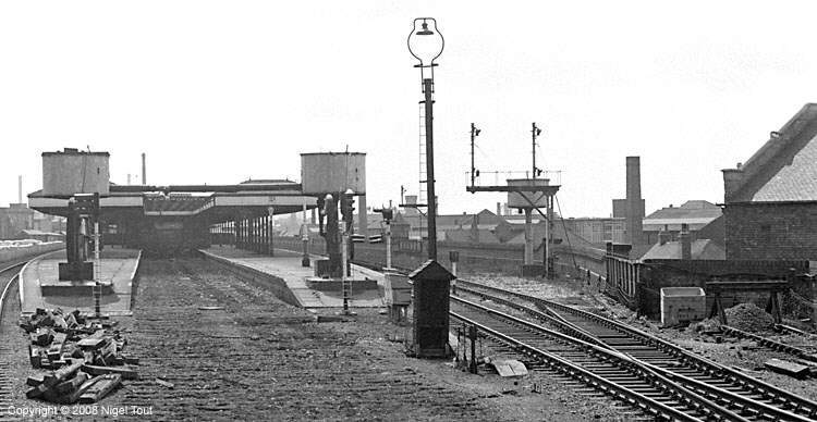Entering Leicester Central station, with track removed