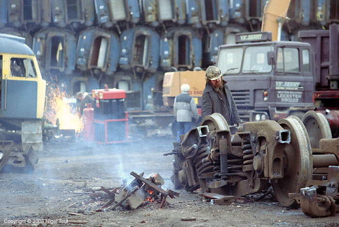 Cutting diesel locomotives in Berry's scrapyard, Leicester GCR