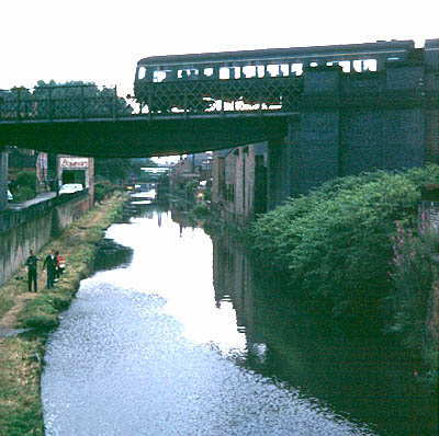Passenger train to Nottingham, crossing the canal just north of Leicester Central station