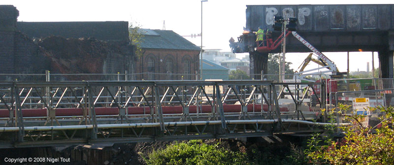 Start of demolition of Upperton Road viaduct, Leicester, GCR