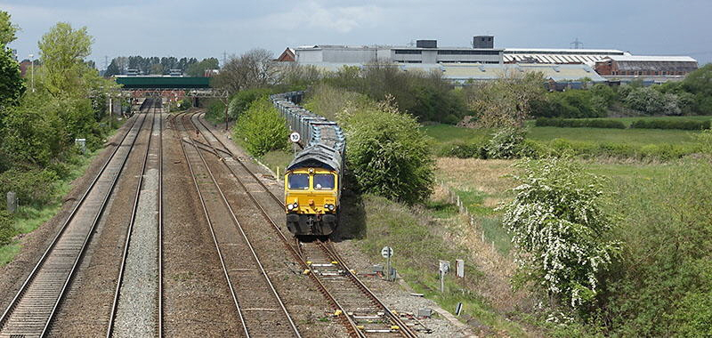 Gypsum train empties from Hotchley Hill at Loughborough